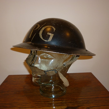 British WWII Repair Party steel helmet. - Military and Wartime