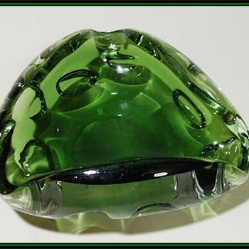( Unknown ) Art Glass Ashtray
