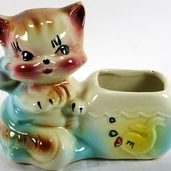 Vintage Cat With Fish American Bisque Planter - Art Pottery