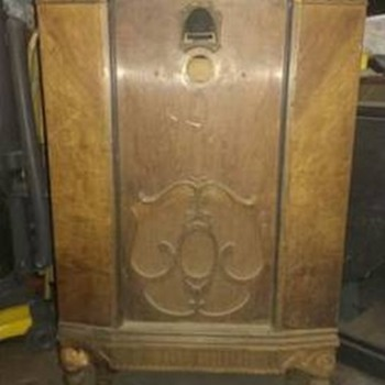 1920s RADIO CABINET - POST #1 OF 7 - Furniture
