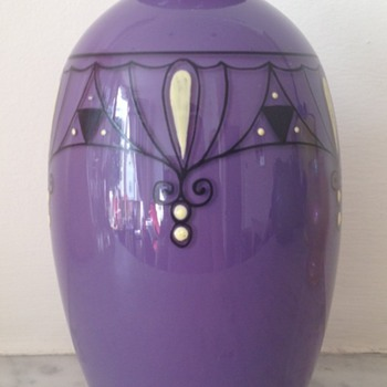 Mauve tango enamelled vase - unknown maker - Art Glass
