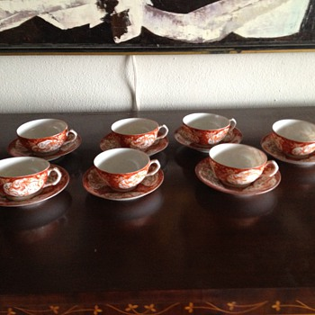 Antique handpainted Imari teacups and saucers