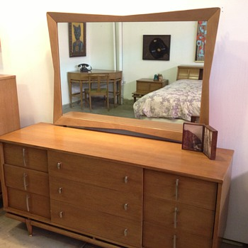 "Amazing! Mid Century Modern Kent-Coffey ""The Sequence"" 7 Piece Bedroom Set - Mid-Century Modern"