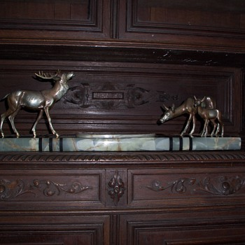 Sculpture 3 elks