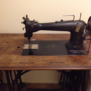 Veloce Italian Tailor's flatbed treadle sewing machine - Sewing