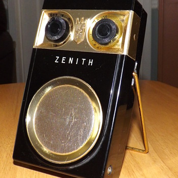 ZENITH TRANSISTOR RADIO FROM 1956