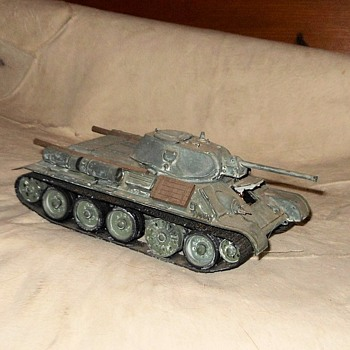 T34/76 WWII Soviet Tank Model - Military and Wartime