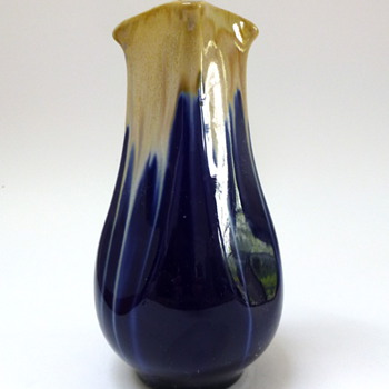 Blue & cream-white drip glaze vase - Art Pottery