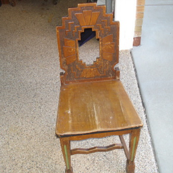 ART DECO CHAIR?