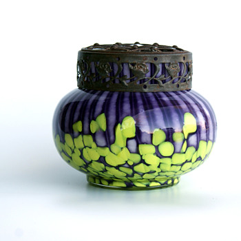 WELZ Strpies and Spots Purple/Yellow small bulb vase