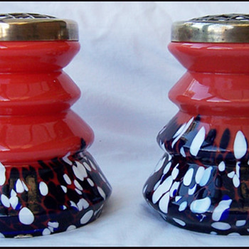 CZECH ZIG-ZAG VASES - Art Glass