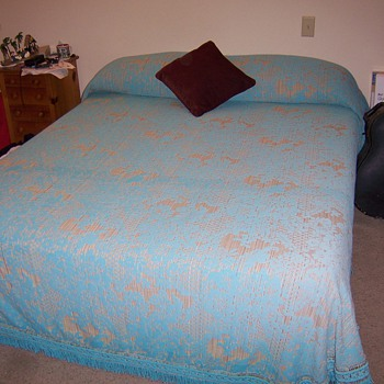 Morgan Jones king size bedspread!!  