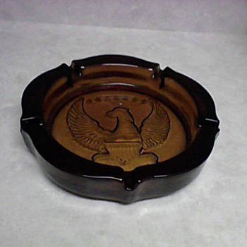  LARGE AMBER TIARA GLASS ASH TRAY - Tobacciana