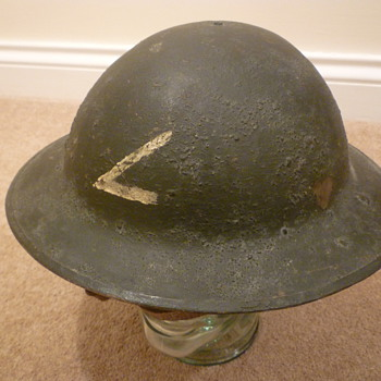 Unknown British WWI steel helmet. - Military and Wartime