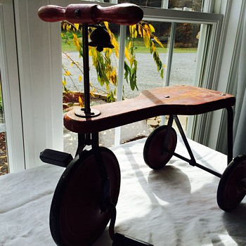 Sweet little find -Trike with bell