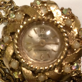 Antique necklace with a decorative clock - Costume Jewelry
