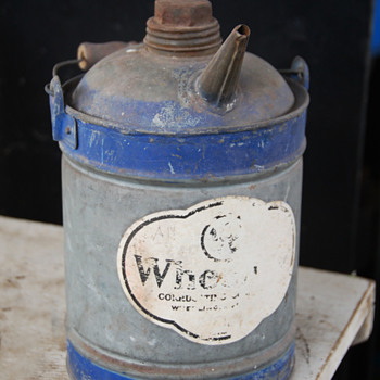 Wheeling Corrugating Company Gas/Oil Can with a Spout