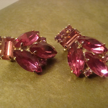 Pretty earrings - Costume Jewelry