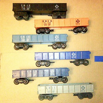 PLASTIC ERIE DELUXE GONDOLAS - Model Trains