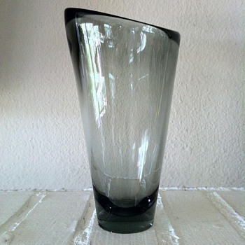 Holmegaard Studio Vase Smokey Black - Art Glass