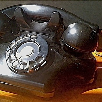 "Kellogg Model 925 ""ashtray"" phone"