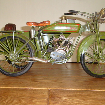HAND MADE HARLEY DAVIDSON MODEL?