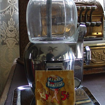 Vintage 1947...Atlas Bantam...Five Cent Peanut Machine...With Tray...And Key - Coin Operated