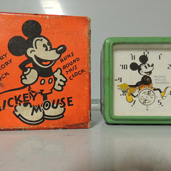 1933 ENGLISH MICKEY MOUSE CLOCK  - Clocks
