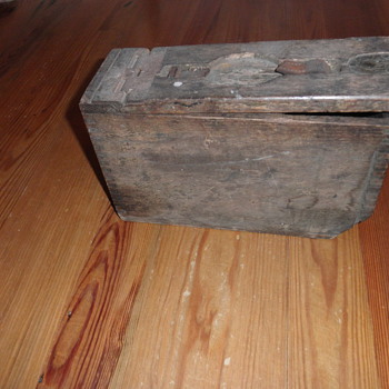 WW I Ammo box