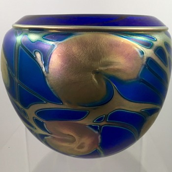 Charles Lotton cobalt blue vase with gold luster leaf & vine decoration, 1986