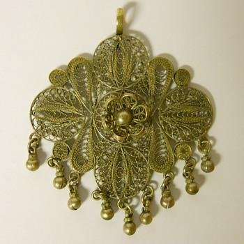 Vintage Pendant, Circa 20 century - Costume Jewelry