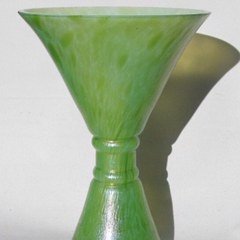 Unusual Loetz or Kralik Cisele Diablo shaped vase