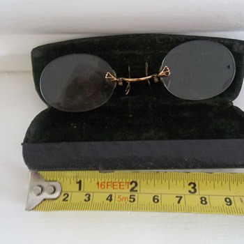 CHILDS PAIR SPECTACLES - Accessories
