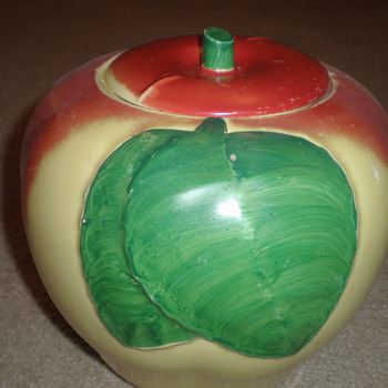 Hull Apple Cookie Jar - Art Pottery