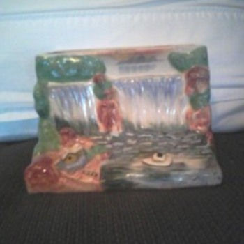 Wall pocket..made in japan - Art Pottery