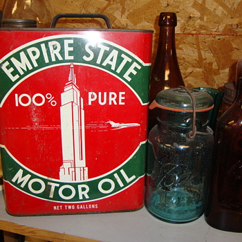 Empire state Motor Oil Can....... - Petroliana