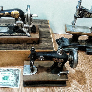 Miniature antique models - Sewing