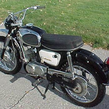1967 Vintage Suzuki B120 - Motorcycles