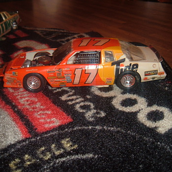 DARRELL WALTRIPS 89 TIDE RIDE - Model Cars