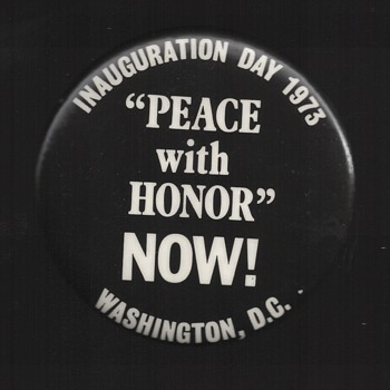 1973 Nixon Inauguration Protest pinback button - Medals Pins and Badges