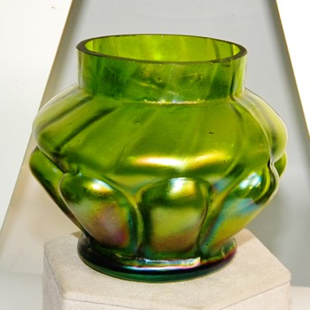 Art Nouveau Kralik Green Purple Iridescent Vase $25.00