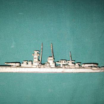 Small lead USN Cruiser?