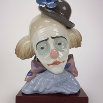 LLADRO CLOWN HEAD FIGURINE -TWO-