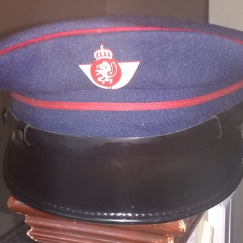 French Train Drivers / Porter Peaked cap with original badge by Preta size 56. in excellent condition. - Mens Clothing