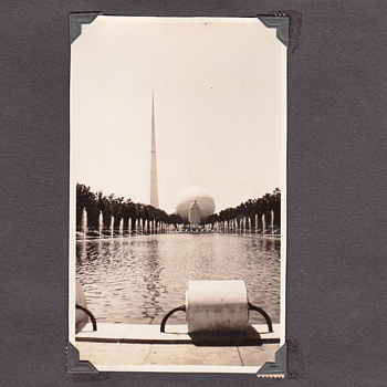 1939 Worlds Fair Snapshot Album of High Quality collection Jim Linderman - Photographs