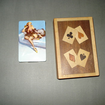 VINTAGE ELVGREN DECK OF PLAYING CARDS - Games