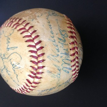 1959 Boston Red Sox Team Signed Baseball - Baseball