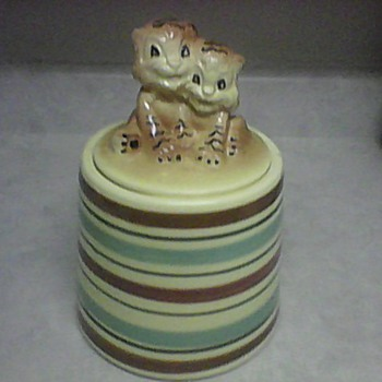 R. R. P. COMPANY ROSEVILLE , OHIO COOKIE JAR