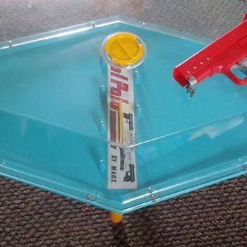 Pistol pong