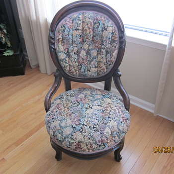 Mom's Chair - Furniture
